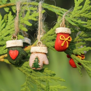Fairy Garden Miniature Christmas Mittens on a String 223-146